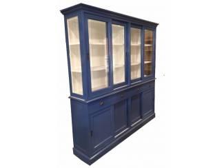 Blauwe vitrinekast met witte binnenkant 220cm breed schuifdeuren