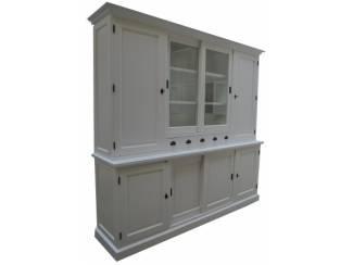 Witte kast 240cm breed   laden glas en dichte deuren