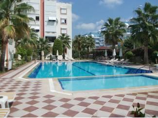 Turkije-Avsallar bemeubeld 2 slpk appartement,300M strand