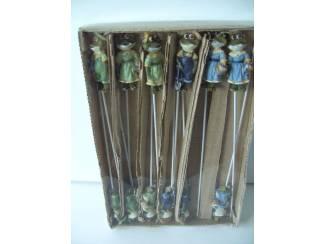 STEKERS (PLANTEN) KIKKERS POLYSTONE (doos 12 stuks) NIEUW
