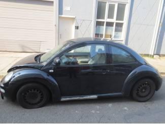 VW Beetle 2.0 2002 Onderdelen en Plaatwerk Kleurcode L041