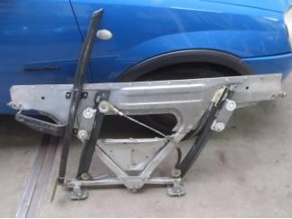 Audi TT 2004 Elec Raammechanisme linksvoor Code 8N8837729