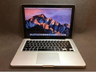 Apple MacBook Pro Core i7 2.2 GHz 17'' 4GB Ram 750GB HDD