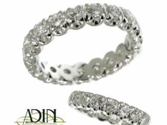 Eternity trouwring met diamant