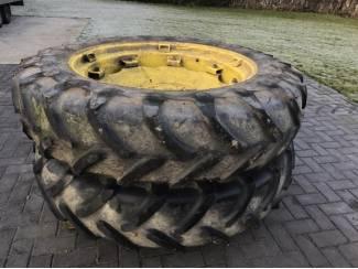 John Deere wielen 13.6 38 Michelin