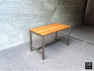Prachtige maatwerk RVS design bartafel met bamboo tafelblad