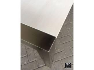 Tafels Trendy eetkamertafel RVS design met white wash eiken