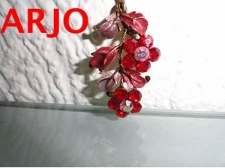 Broche bloem rodesteentjes Nr 84-GEEN VERZENDKOSTEN.