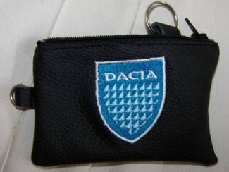 Lederen sleutelhoesje, met DACIA logo