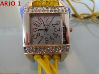 Horloge met Crystal Strass, nr 51-GEEN VERZENDKOSTEN.
