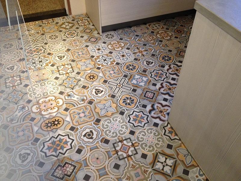 Retro Wandtegels Badkamer : Behang portugese tegels. grafische tegel savvy. portugese tegel
