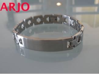 Leuke Edel metalen armband nr 24-GEEN VERZENDKOSTEN.