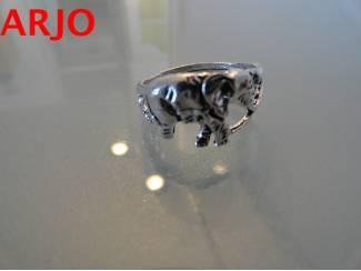Olifanten ring Maat 20 Nr 390 -GEEN VERZENDKOSTEN.