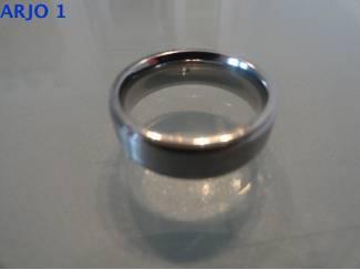 stainless-steel ring maat 17, Nr 3 -GEEN VERZENDKOSTEN.
