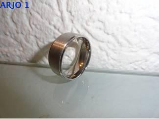 stainless-steel ring maat 22, Nr 13 -GEEN VERZENDKOSTEN.