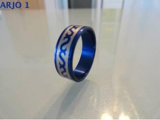 stainless steel ringen blauw nr 33-GEEN VERZENDKOSTEN.