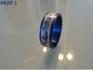 stainless steel ringen blauw nr 41-GEEN VERZENDKOSTEN.