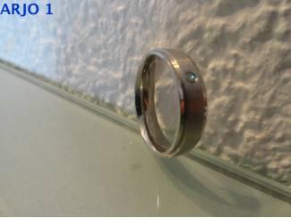 stainless-steel ring maat 22, Nr 5 - GEEN VERZENDKOSTEN.
