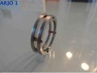 stainless-steel ring maat 20, Nr 82--GEEN VERZENDKOSTEN.