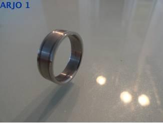 stainless-steel ring maat 16, Nr 53-GEEN VERZENDKOSTEN.