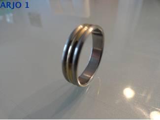 Stainless-Steel ring maat 22 bicolor, Nr 71-GEEN VERZENDKOSTEN.
