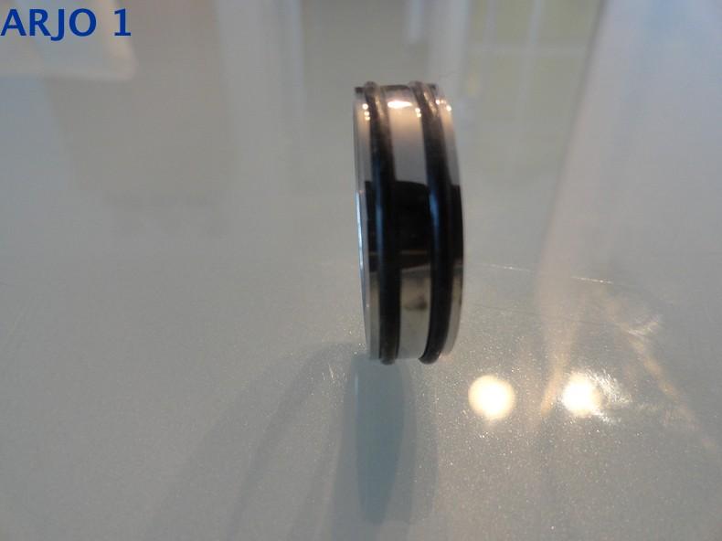 Ring ingelegd rubber maat 22, Nr 85 -GEEN VERZENDKOSTEN.