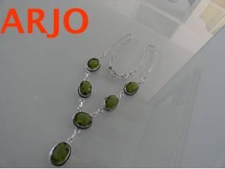 Groene edelsteen halsketting, Is verzilvert Nr 315-GEEN VERZENDKO