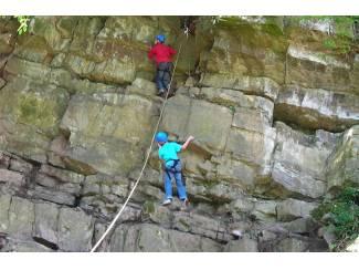 SPORTIEVE VAKANTIE naar de ARDENNEN abseilen klimmen survival