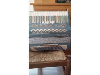 Te koop een accordeon merk Accodiola camerano