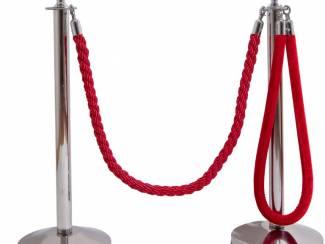 Afzetpalen met koord touw of trekband
