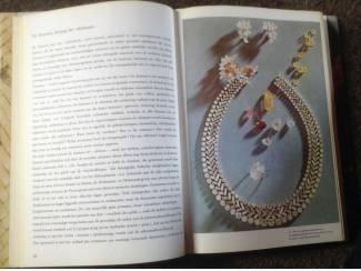 Boek ;Edelstenen ,Prachtige exemplaren ,modellen v/goudwerk