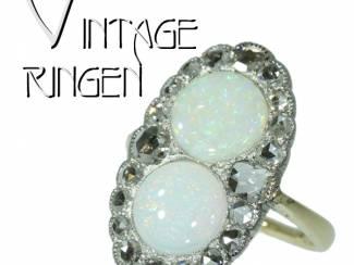 Vintage verlovingsring met oogverblindend mooie maansteen.