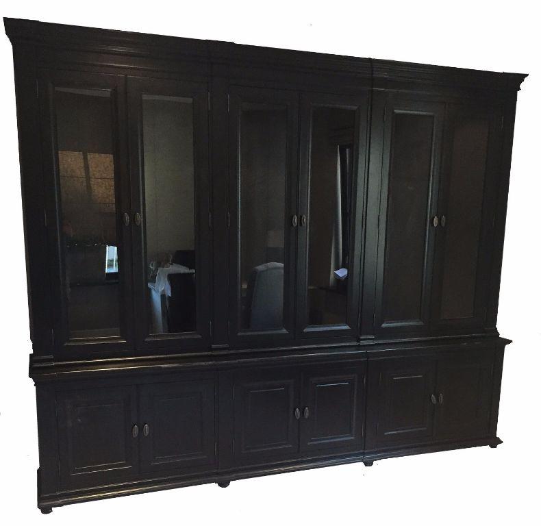 Zwarte grote klassieke kast 300 x 240 zwart binnen   Kasten en Dressoirs