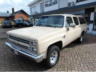 Chevrolet Oldtimer Suburban 5.7 V8 7-Persoons
