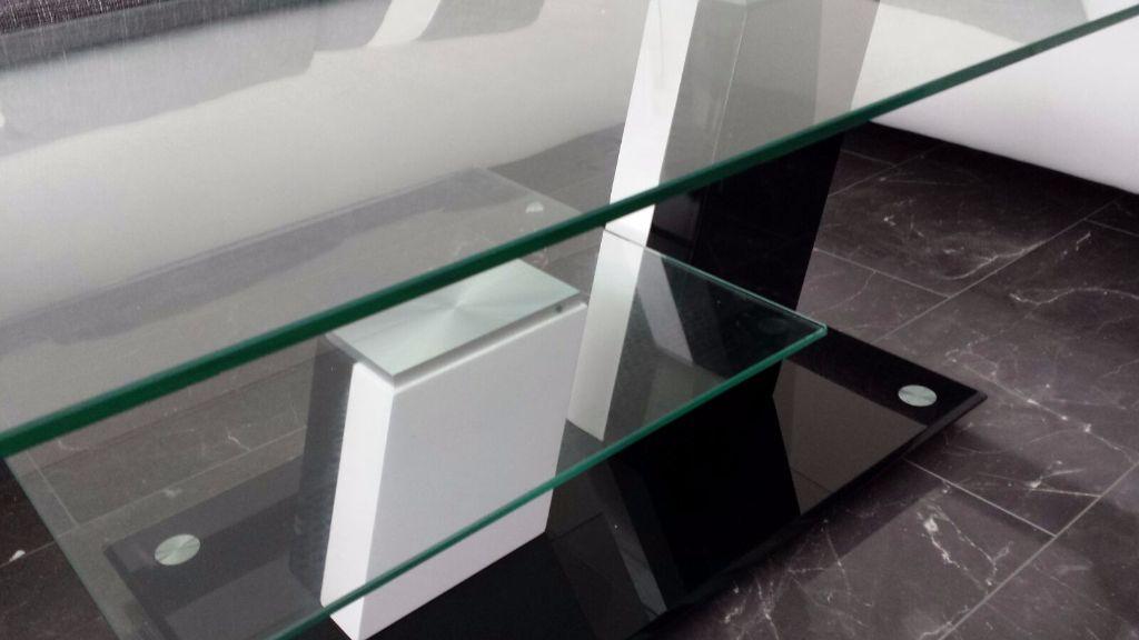 Salontafel Zwart Glas Design.Moderne Salontafel Hoogglans Zwart Wit Met Glazen Bladen Nieuw Tafels