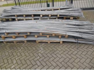 Spekhaken 4.5 meter met kapstok