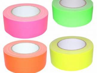 Blacklight duct tape kopen voor het markeren van velden en borden