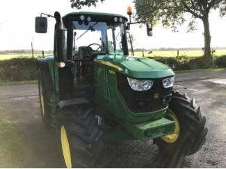Tractoren John Deere 6125M BJ 2014 slechts 1900 uur!