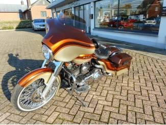 Harley Davidson Bagger FLHX