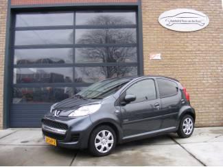 Peugeot 107 1.0-12V Sportium