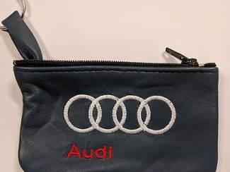 Audi onderdelen Echt leder borduurwerk sleutelhoesje met logo AUDI