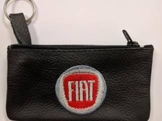 Echt leder borduurwerk sleutelhoesje met logo FIAT