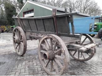 Oude landbouw karren machines