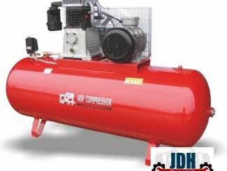 GGA 630 Compressor 500 L 400V