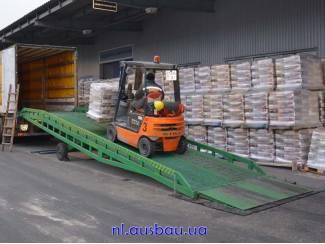 Tractoren Heftruck laadbruggen Ausbau voor magazijn