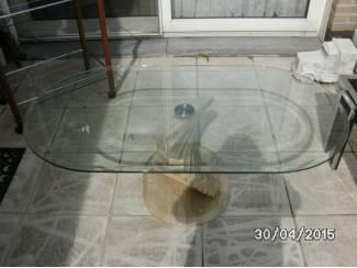 salontafel met glas