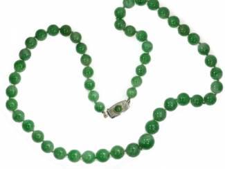 Prachtige antieke jadeiet ketting