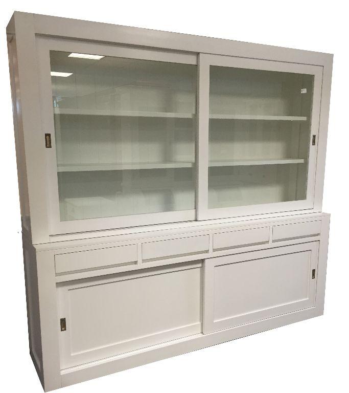 Moderne grote witte greeploze buffetkast 240 x 220cm