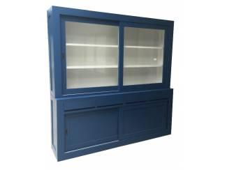 Blauwe moderne buffetkast greeploos 220 x 220cm