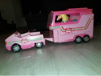 Barbie jeep en paardentrailer + paard